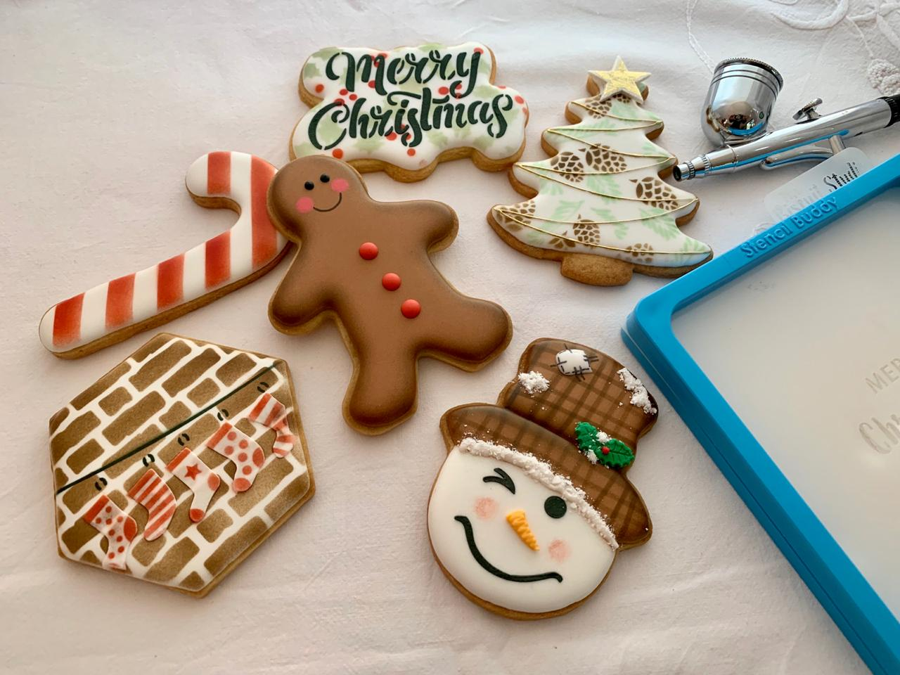 Christmas Airbrush & Stencil Class | The Biscuit Studio